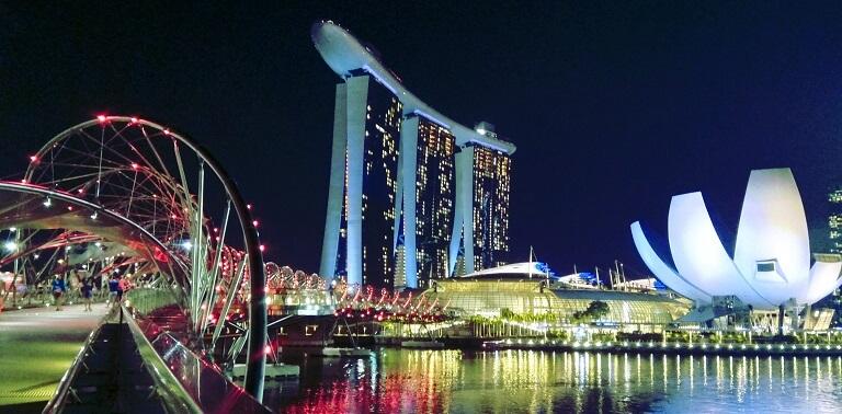Příběh digitálního nomádství - Singapore a život Viktora Navorského ... 2